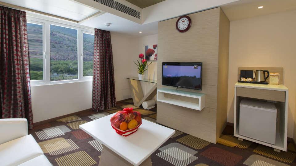 Hotel Pai Viceroy, Tirupati Tirupati Hotel Pai Viceroy Tirupathi Suite Living Room 1