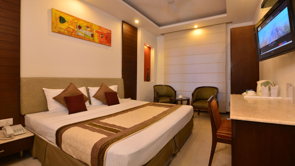 Standard Room at Le Roi Delhi Hotel Paharganj
