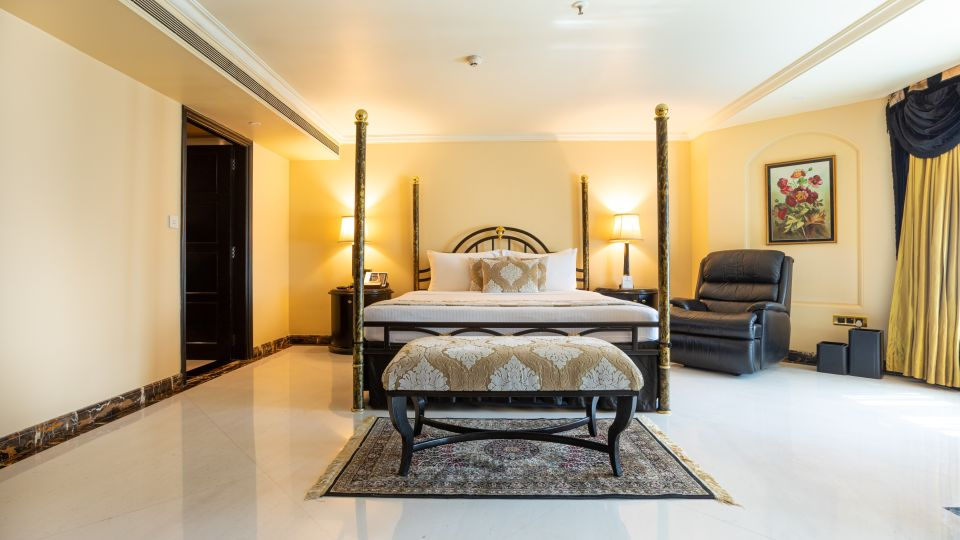 PS Bed Room, Orchid Hotel Mumbai Vile Parle, 5 Star Hotel in Vile Parle