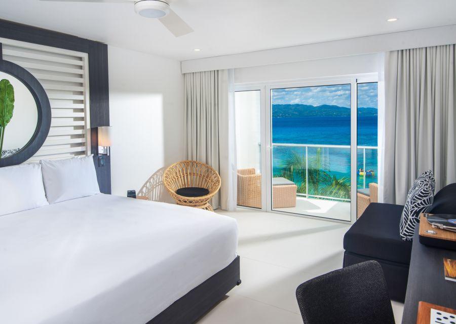 alt-text Ocean View Junior Suite King, S Hotel Jamaica, Accommodation in Montego Bay 2