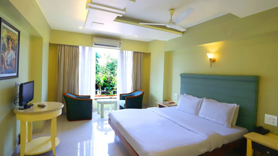 Hotels near Dapoli beach-Executive 1