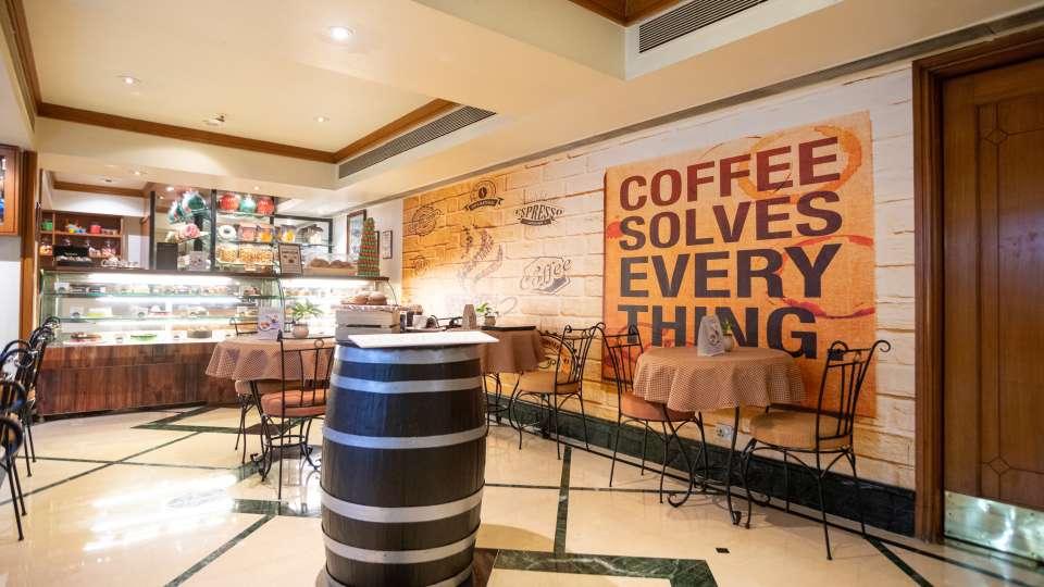Cafe in Vile Parle, Orchid Hotel Mumbai Vile Parle, Hotel Near Mumbai Airport 4 4