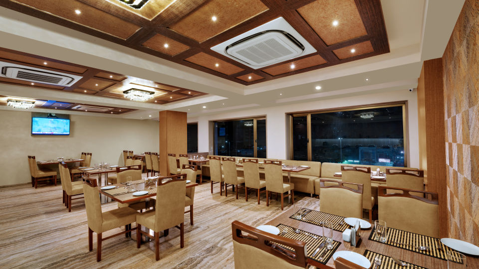 Fiesta Restaurant at Anaya Beacon Hotel in Jamnagar 1