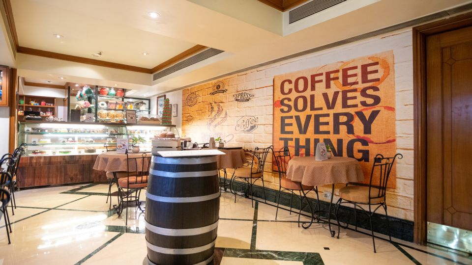 Cafe in Vile Parle, Orchid Hotel Mumbai Vile Parle, Hotel Near Mumbai Airport 4 4