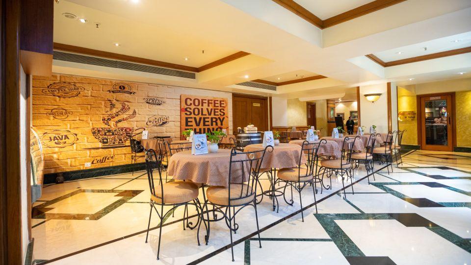 Restaurant in Vile Parle, Orchid Hotel Mumbai Vile Parle, Hotel Near Mumbai Airport 38