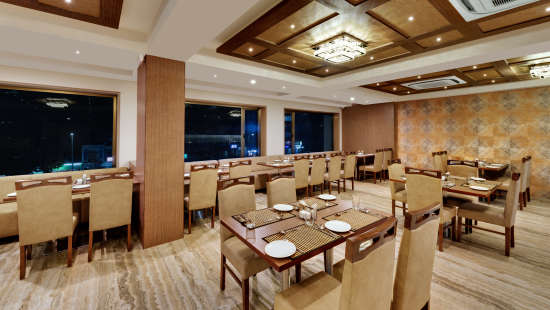 Fiesta Restaurant at Anaya Beacon Hotel in Jamnagar 3