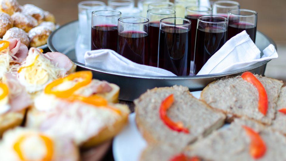 alcohol-banquet-beverage-bread-306046
