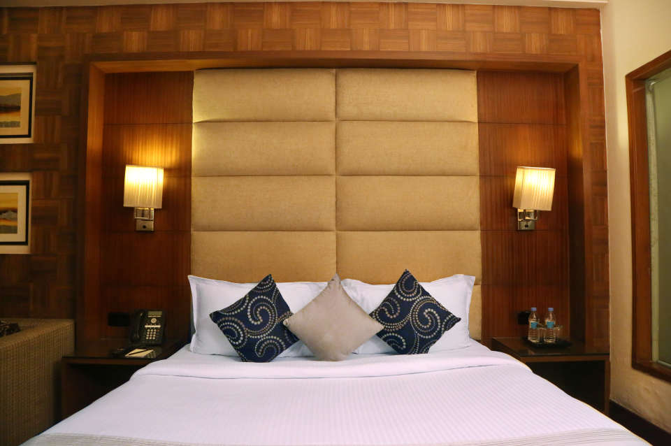 Premium Rooms at The Bristol Hotel Gurgaon, Rooms Near Sikanderpur Metro Station 2