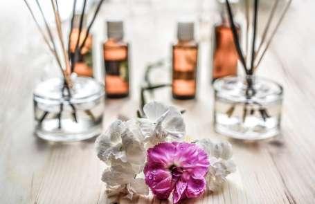 alternative-aroma-aromatherapy-161599 1