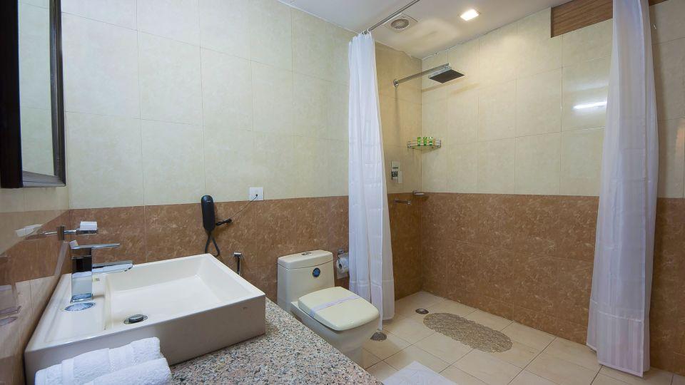 Hotel Aura IGI Airport, New Delhi New Delhi Bathroom Hotel Aura Airport New Delhi 3