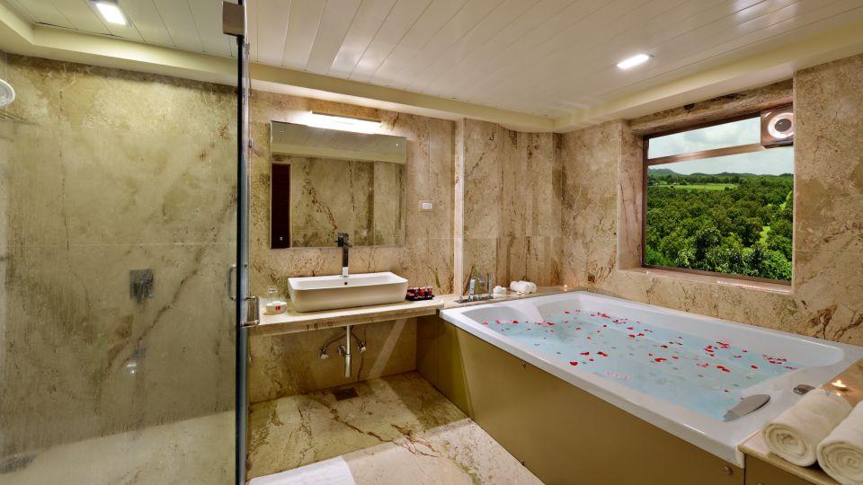 Jacuzzi at our Suites in Sasan Gir, Hotels in Sasan Gir-2, Sarovar Portico, Sasan Gir