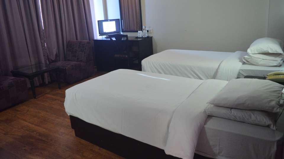 Harbour View Residency Cochin Deluxe Room Hotel Harbour View Residency Cochin 5