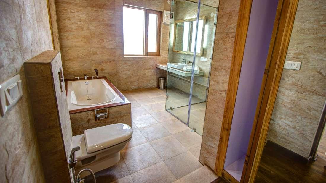Baragarh Villa Kullu Rest Room Baragarh Villa Kullu Himachal Pradesh