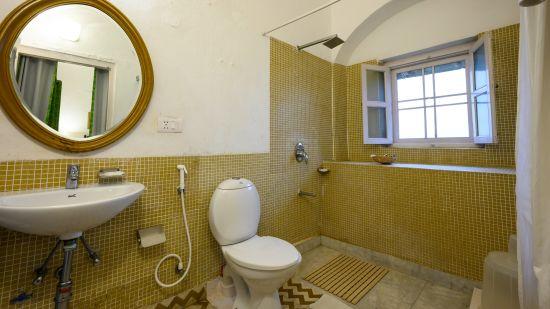 Hariyal Bathroom