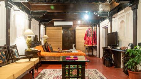 Luxury hotel rooms in Pune, Suites in Pune, Maharaja Suites