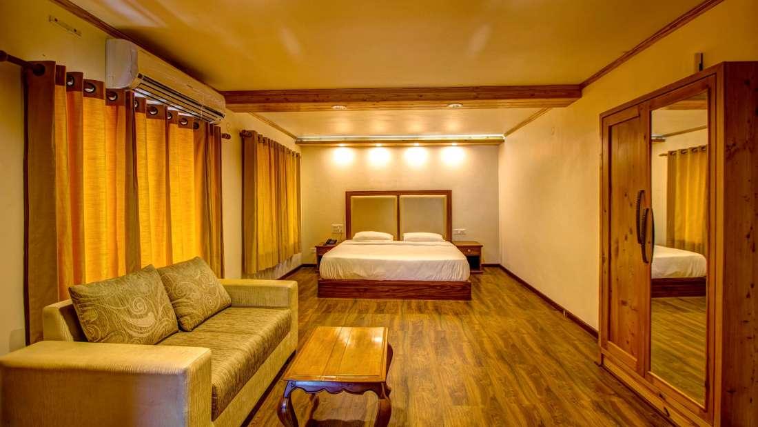 Baragarh Villa Kullu Orchard Suite Living Baragarh Villa Kullu Himacahal Pradesh