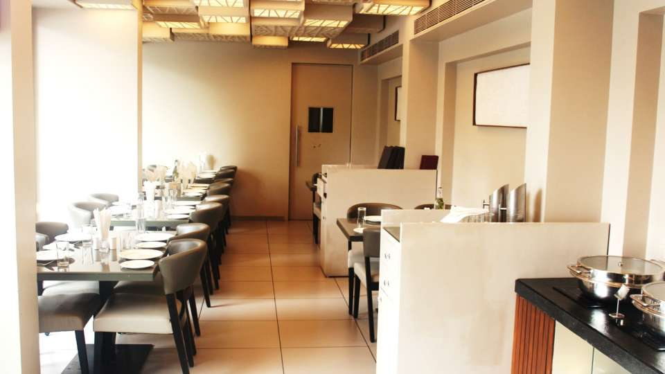 Cocoon Restaurant in Andheri East , Dragonfly Hotel, Hotel in Andheri