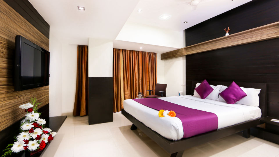 Valley View Rooms 3, Mango Hotels Prajwal, Rooms in Bangalore