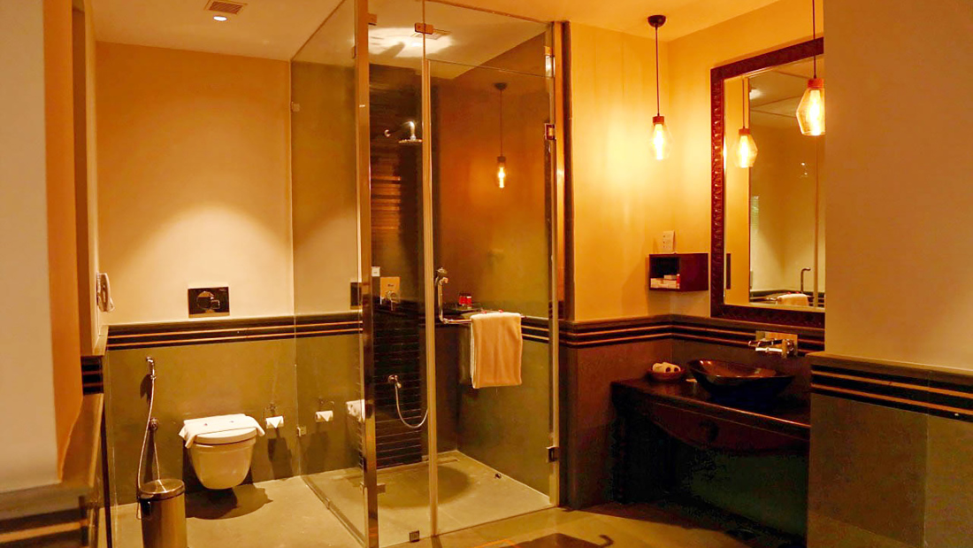 Presidential Villa Bathroom 1