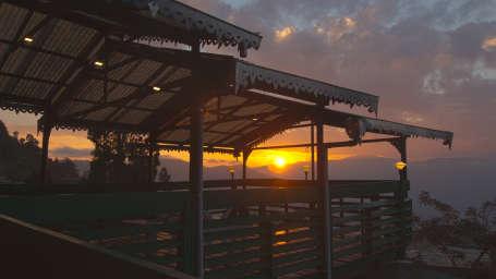 Sun Deck Mount Himalayan Resort Darjeeling