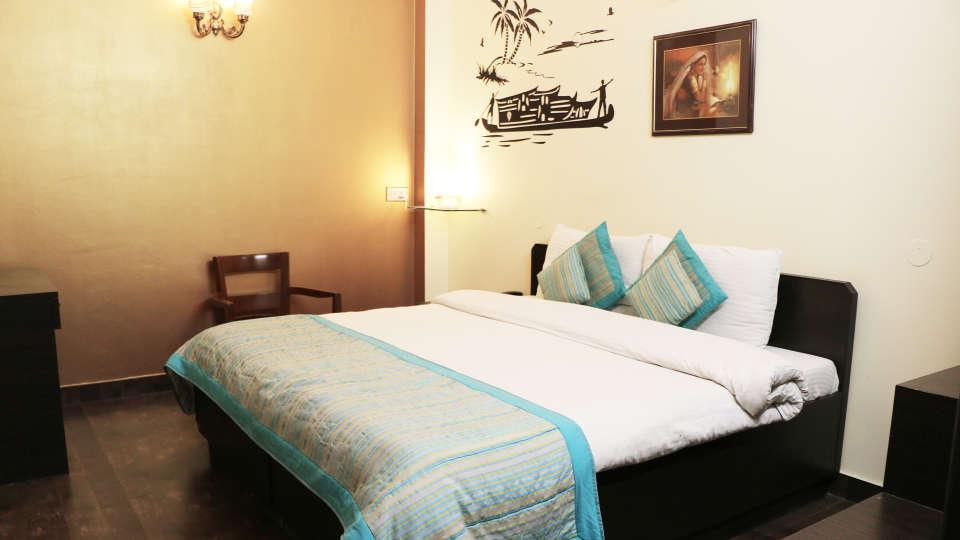 Deluxe Room, Hotel Pals Inn, East Patel Nagar, New Delhi