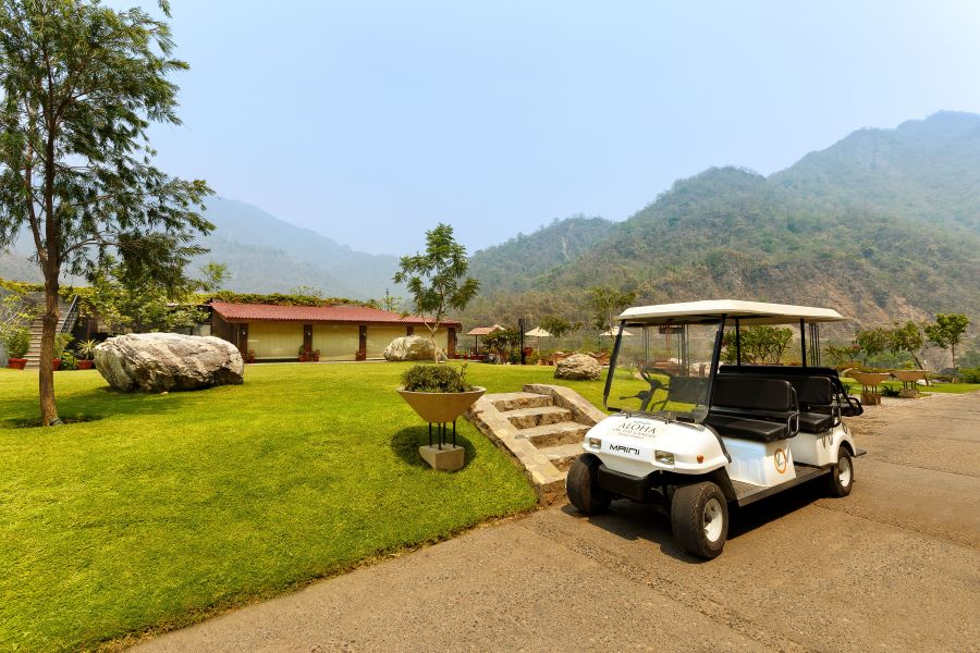 alt-text Golf CartAloha on the Ganges Rishikesh e9cx7q