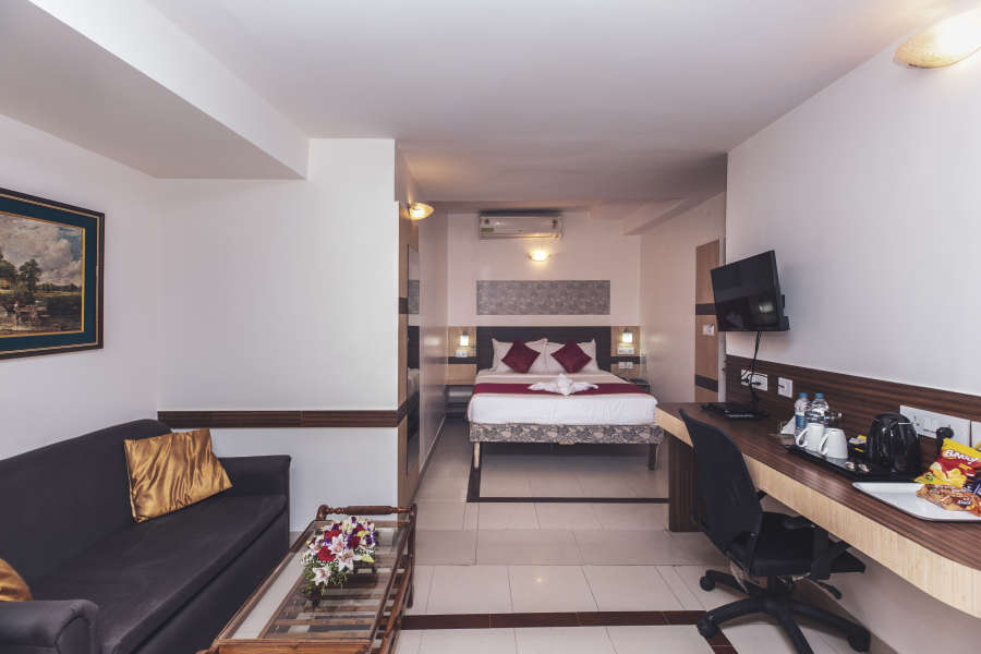 alt-text Hotel Rooms in Bangalore, iStay Hotels - Infantry Road, Deluxe Rooms 3