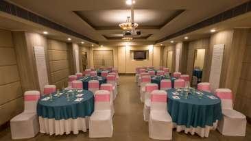 Banquet at Sarovar Portico Naraina 2