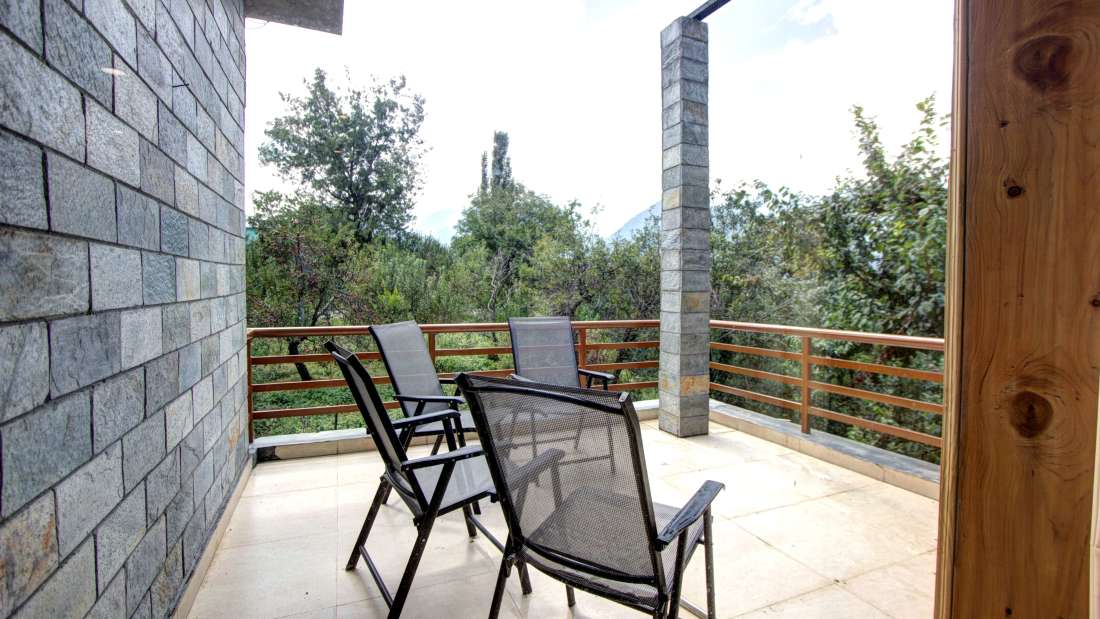 Baragarh Villa Kullu Terrace Family Suite Baragarh Villa Kullu Himachal Pradesh