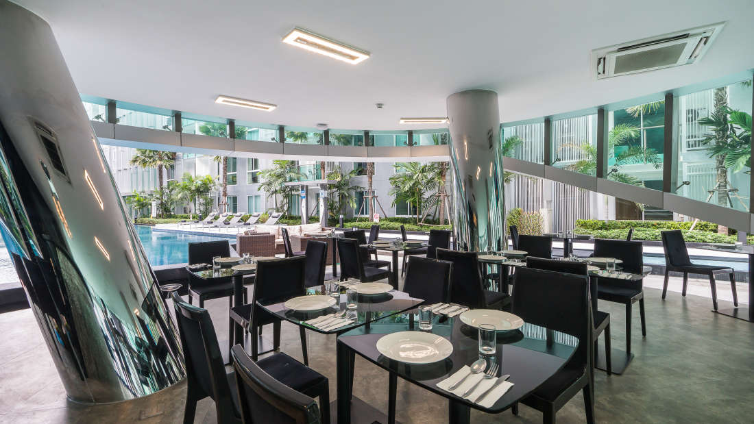 Restaurant at AHA Smartstay-Best hotel in Pattaya 1