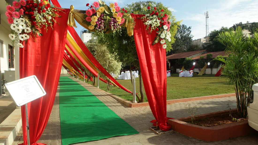 banquet halls, resort in bangalore, chairman s club and resort