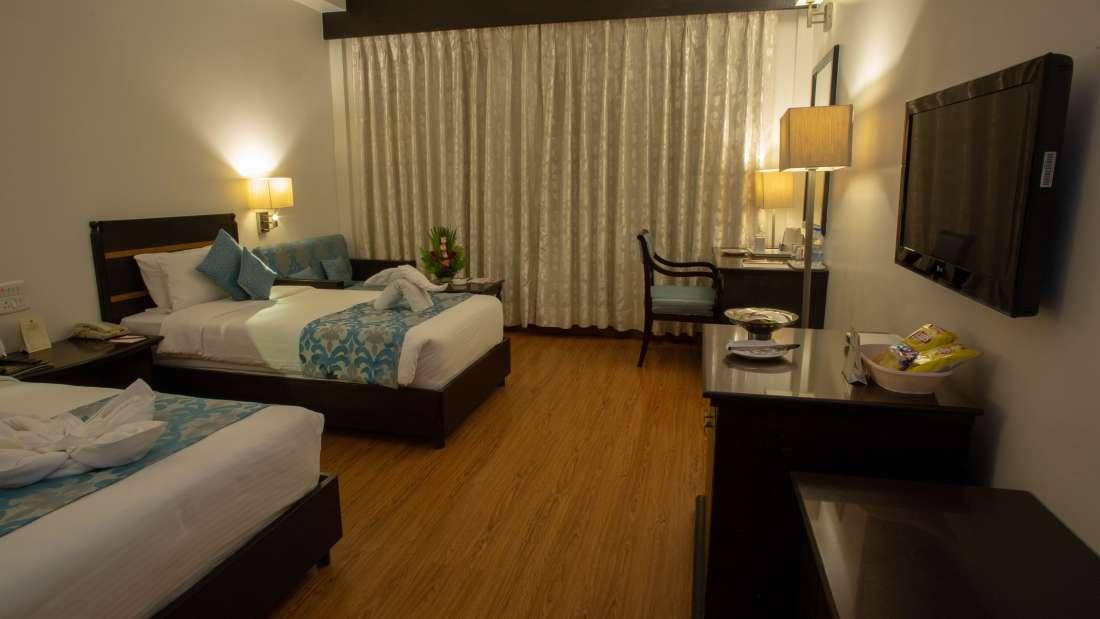 Deluxe Room Hotel Kanha Shyam Prayagraj 3