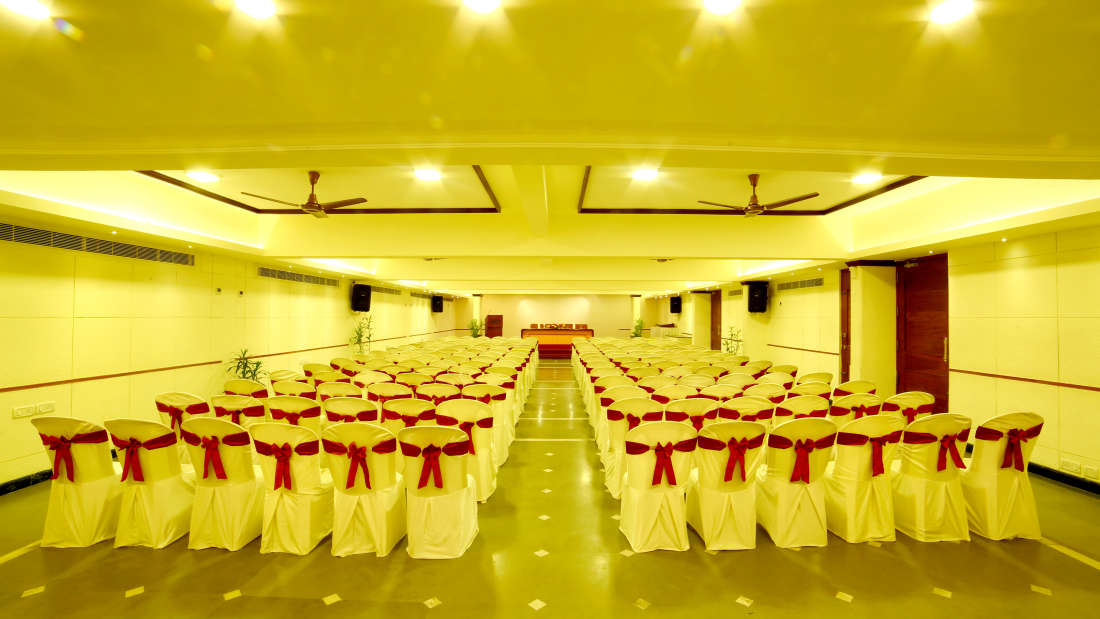 Kings Court - Banquet at Hotel Reviera Suites Kochi 1