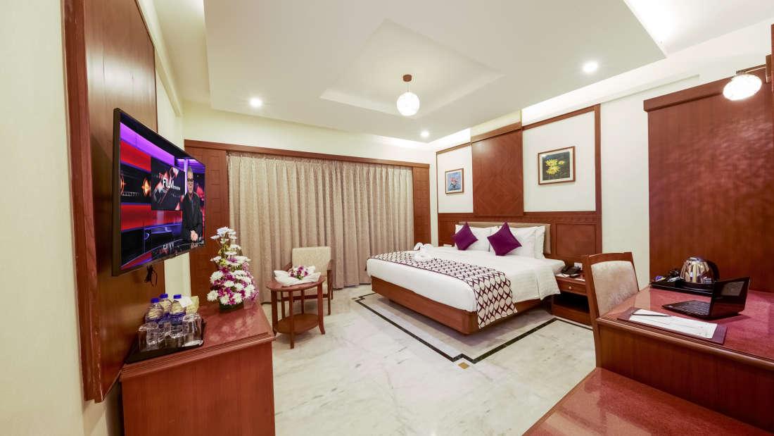 JP Hotel in Chennai Club Room