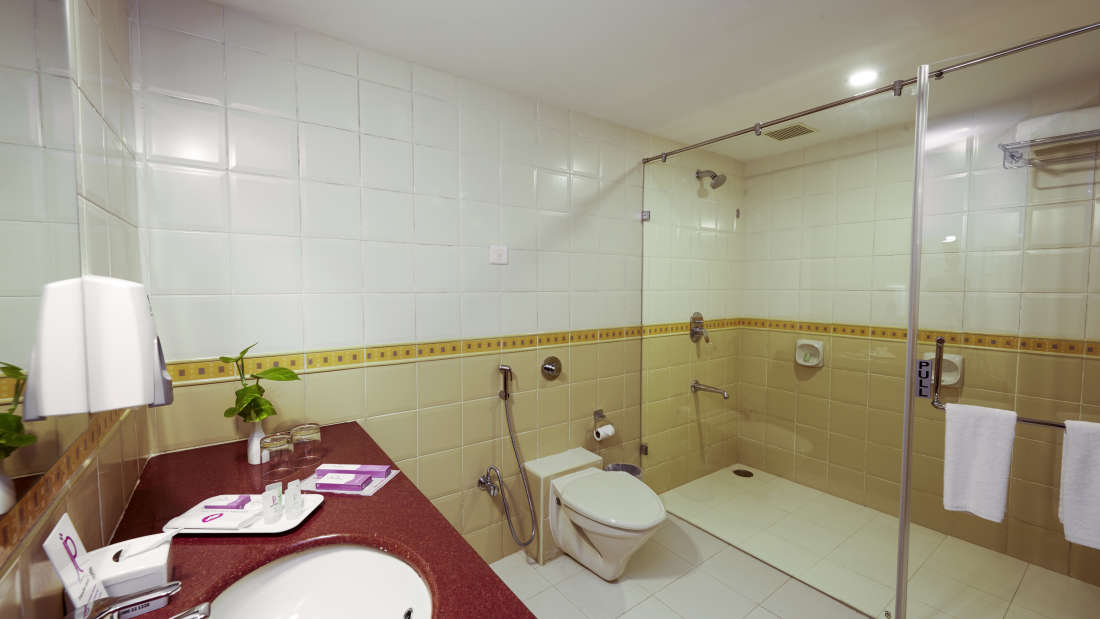 JP Hotel in Chennai Club Suit Bath Room