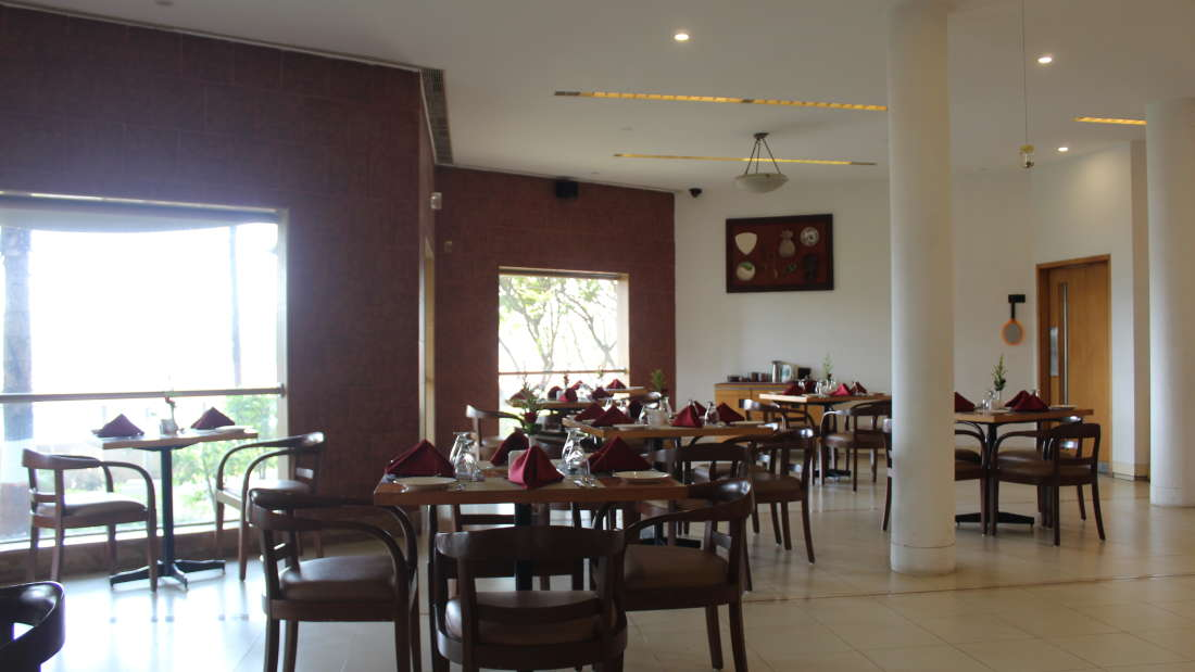 Ras Resorts in Silvassa Restaurant Bistro Lunch Dinner 3