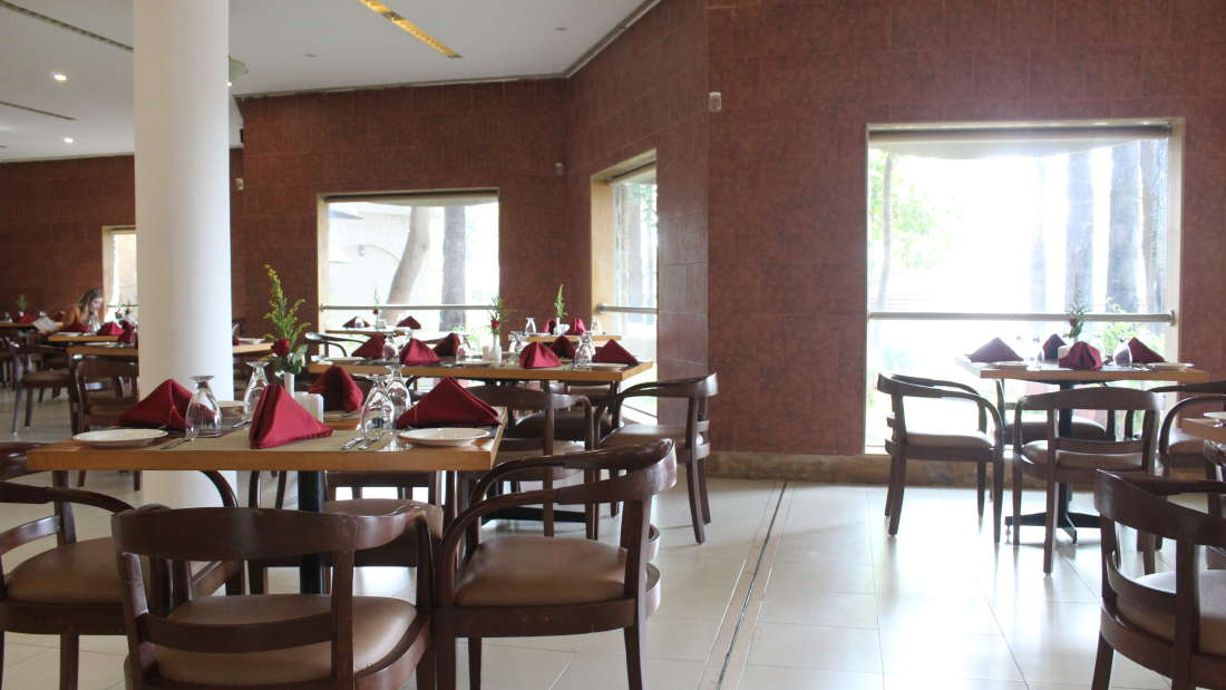 Ras Resorts in Silvassa Restaurant Bistro Lunch Dinner 7