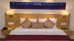 Deluxe Rooms Sarovar Portico Ahmedabad 6