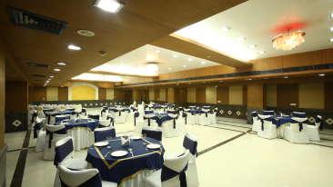 Emblem Hotel, Sector 14, Gurgaon Gurgaon PAA 5078