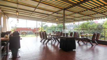 Best Restaurants in Pune, Places to eat in Pune, Hotel Mint Lxia, Pune-7