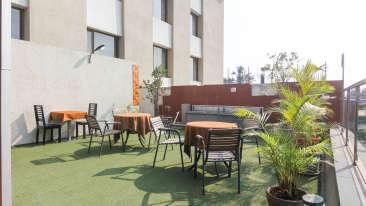 Cafe Qube Restaurant in Pune, Multicuisine restaurant in Pune, Hotel Mint Lxia, Pune-6