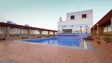 JP Hotel in Chennai Roof Top SWMMING Pool