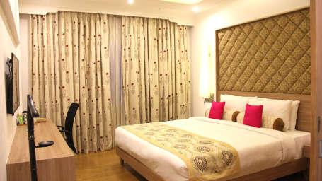 Suites in Jaipur, Presidential Suite at Clarks Amer Jaipur, stay near jaipur airport