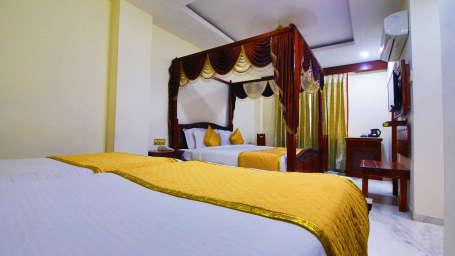 Luxury Hotel in Jaipur, Hotel Crimson Park The Heritage Jal Mahal,Jaipur Hotels 1