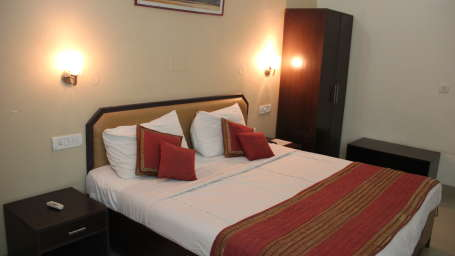 Executive Rooms at Hotel Doves Inn Gurgaon