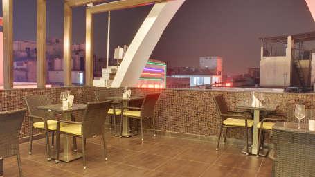The Grand Lounge Grand Godwin New Delhi 6