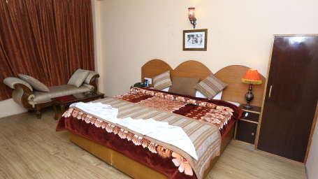 Hotel Natraj, Manali Manali Super Deluxe Rooms Hotel Natraj Manali 11