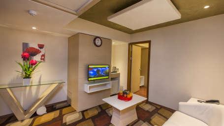 Hotel Pai Viceroy, Tirupati Tirupati Hotel Pai Viceroy Tirupathi Suite Living Room 2