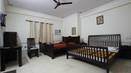 Hotel Raghuraj Palace Jaipur Family Room Hotel Raghuraj Palace Jaipur 2
