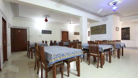 Hotel Raghuraj Palace Jaipur Restaurant at Hotel Raghuraj Palace Jaipur 3